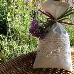 Voňavé sáčky plněné sušenými květy levandule